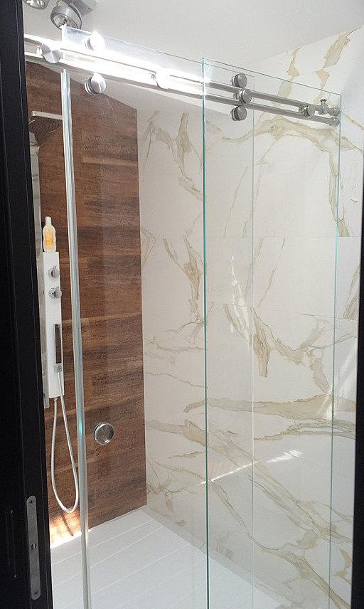 Стеклянная распашная дверь в нишу для душа NIVELLO+ от PS